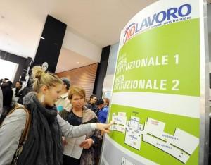 >>>ANSA/ LAVORO: FMI GELA L'ITALIA, 20 PER TORNARE A LIVELLI PRE-CRISI