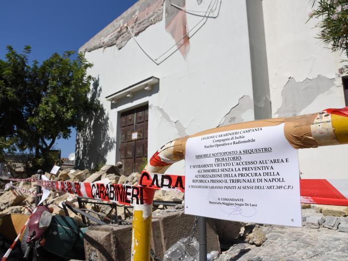 Ischia sale a 1777 il numero delle persone senza casa dopo il terremoto gazzetta di napoli - Casa senza fondamenta terremoto ...