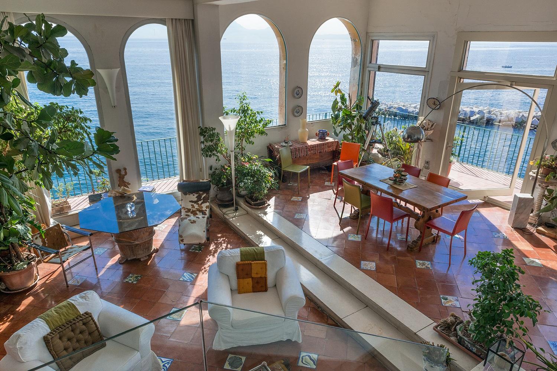 Sotheby 39 s international in vendita l 39 appartamento di for Case in vendita napoli