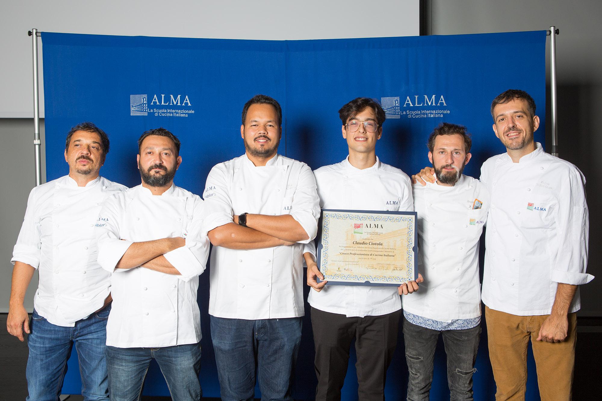 Due Napoletani Si Diplomano Alla Scuola Internazionale Di Cucina Alma Fondata Da Gualtiero Marchesi Gazzetta Di Napoli